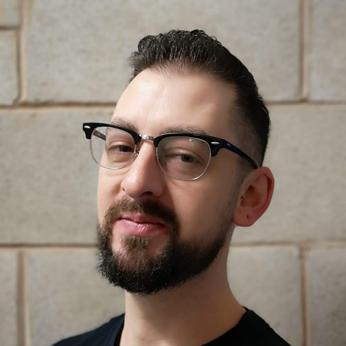 TOM O'BOYLE   Freelance Journalist & University Lecturer