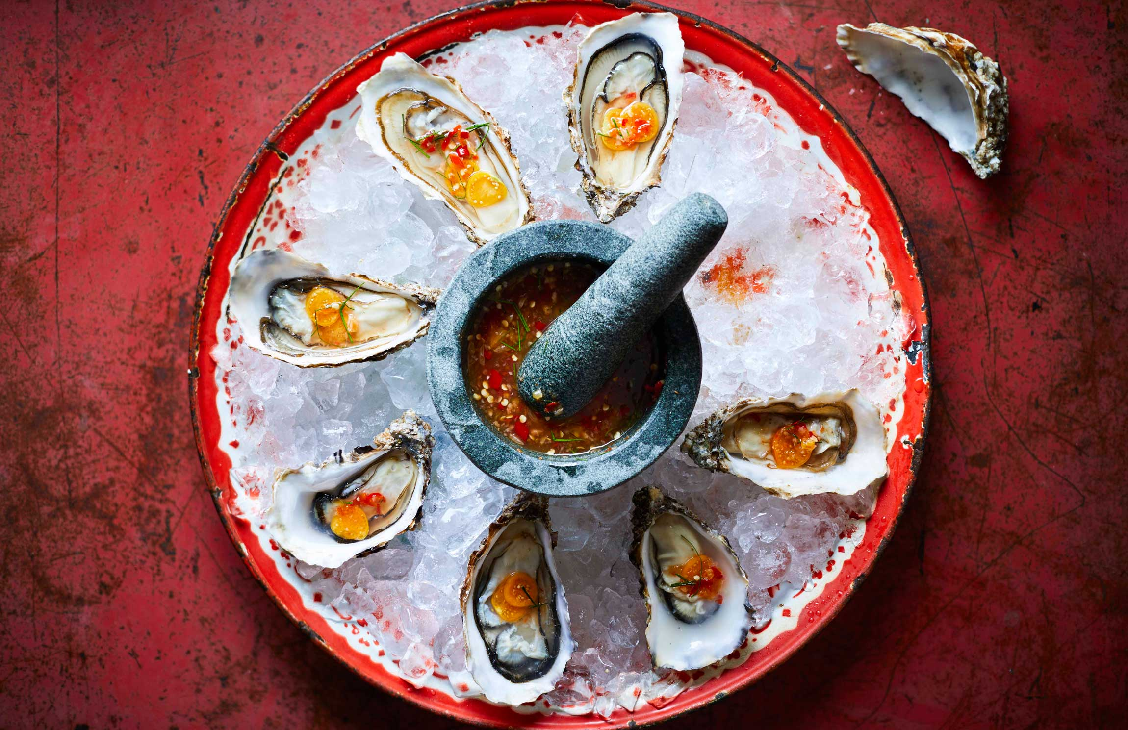 Farang_GRILLED_OYSTERS_WITH_SOUR_FRUITS_CHILLI_AND_LIME.jpg