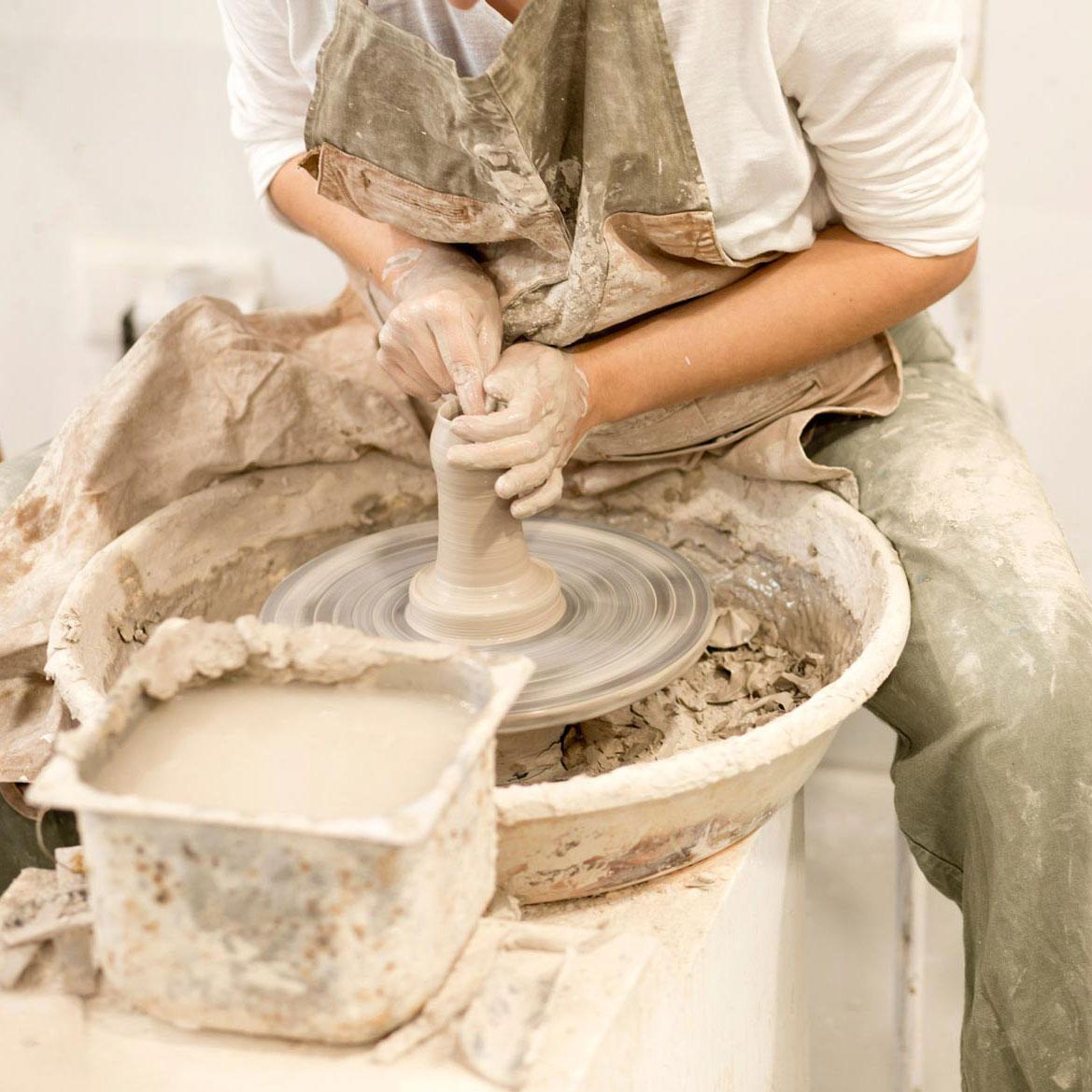 totuma_pottery_wheel.jpg