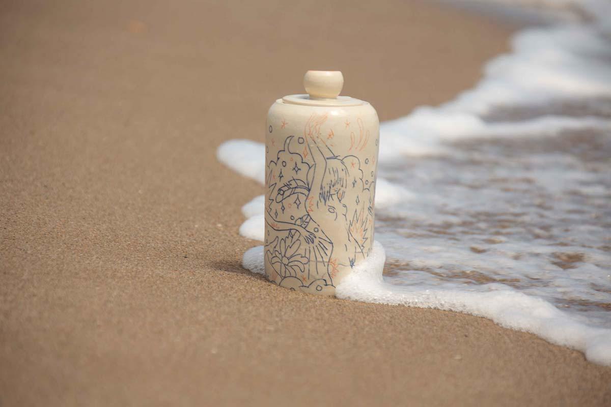 NA0034MB_beach_1.jpg