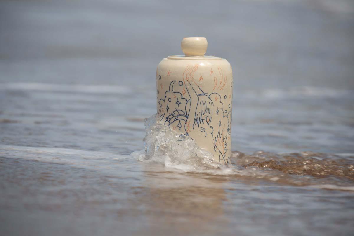 NA0034MB_beach_5.jpg