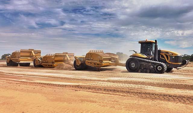 Level Land Scrapers - Por 25 años se han posicionado como una de las marcas más adquiridas para proyectos de movimiento de tierra en la región Latinoamericana.