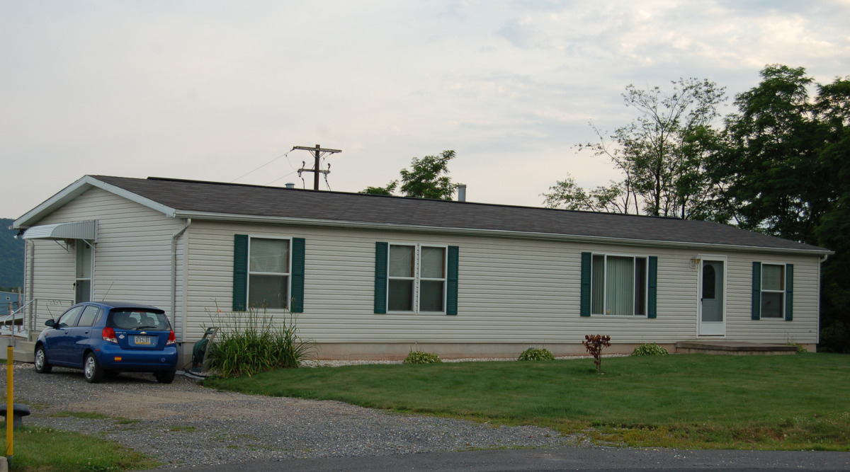 Manufactured Home on Concrete Foundation