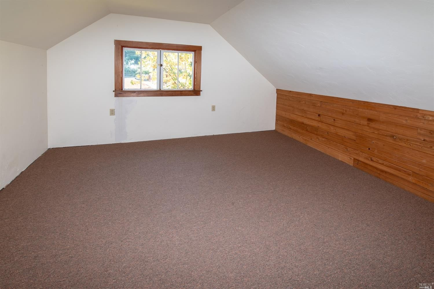 spacious room in the family home for sale, Philo, CA