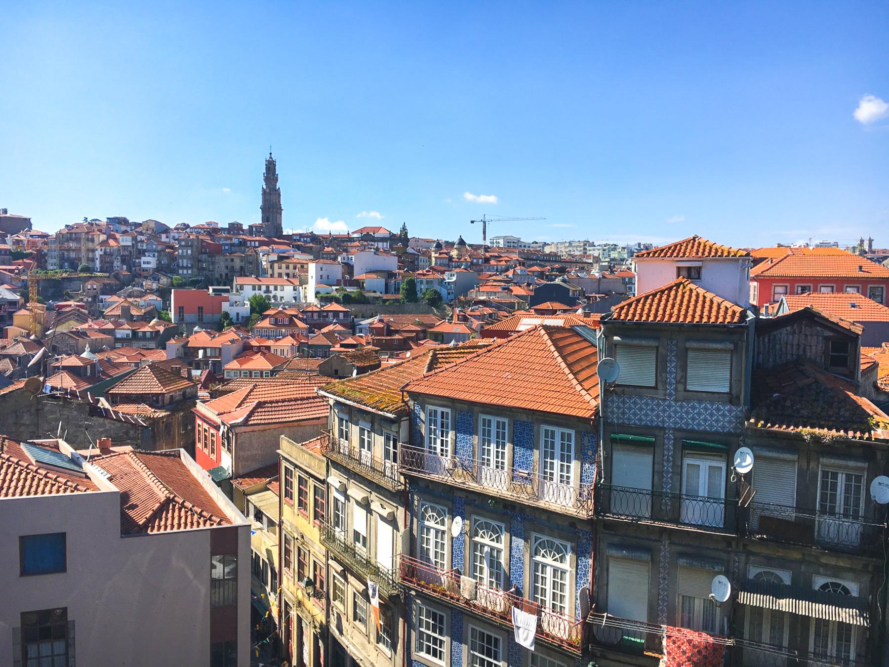 walking-tour-porto-portugal-highres.jpg