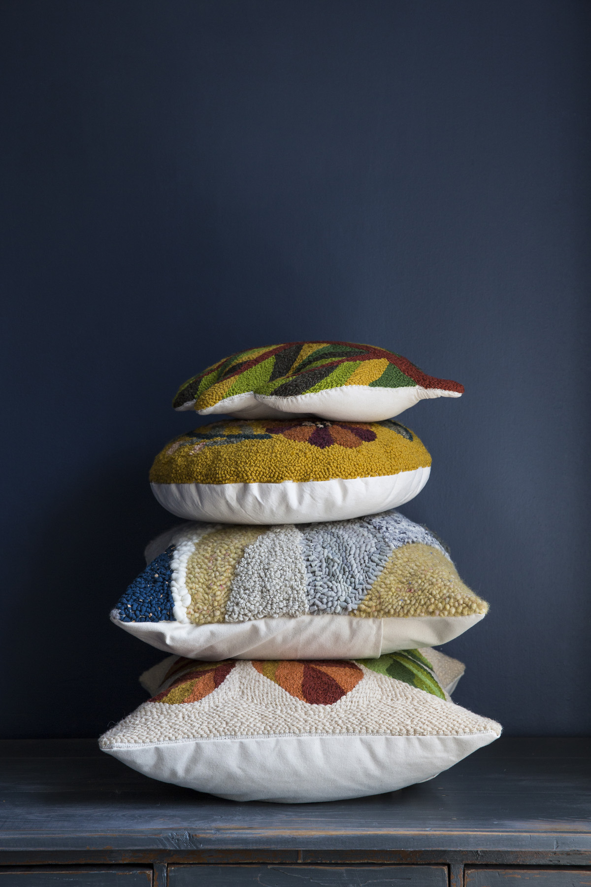 Pillow Stack_02.jpg