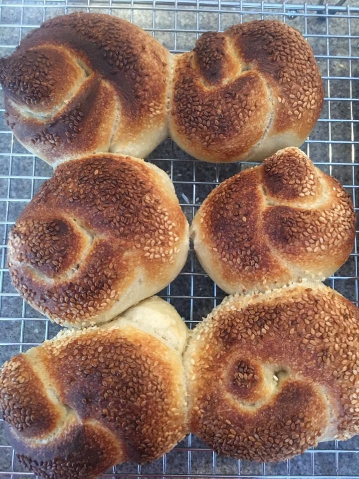 Twist buns