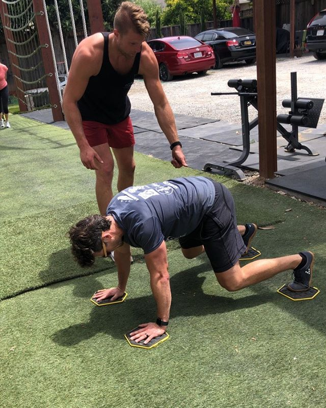 Whether you pushing for it, or pulling for it - the weekends here! Have a Good Friday world 🌎 . . #outdoors #sunnyday #life #outdoorworkout #workout #push #pull #pullups #fitness #weekend #friday #partnerworkout #burlingamefitness #rhone #lululemon #tonal #personaltrainer #trainer #theflahertyeffect