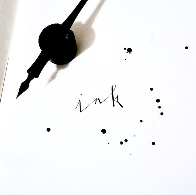 A little B&W action on a #monday #ink #calligraphy #nib 💭🎶😊