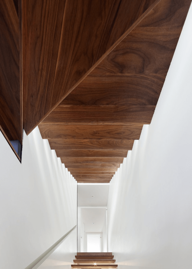 09_OT_WH_NU_DW_Stairs_Contrast House.png