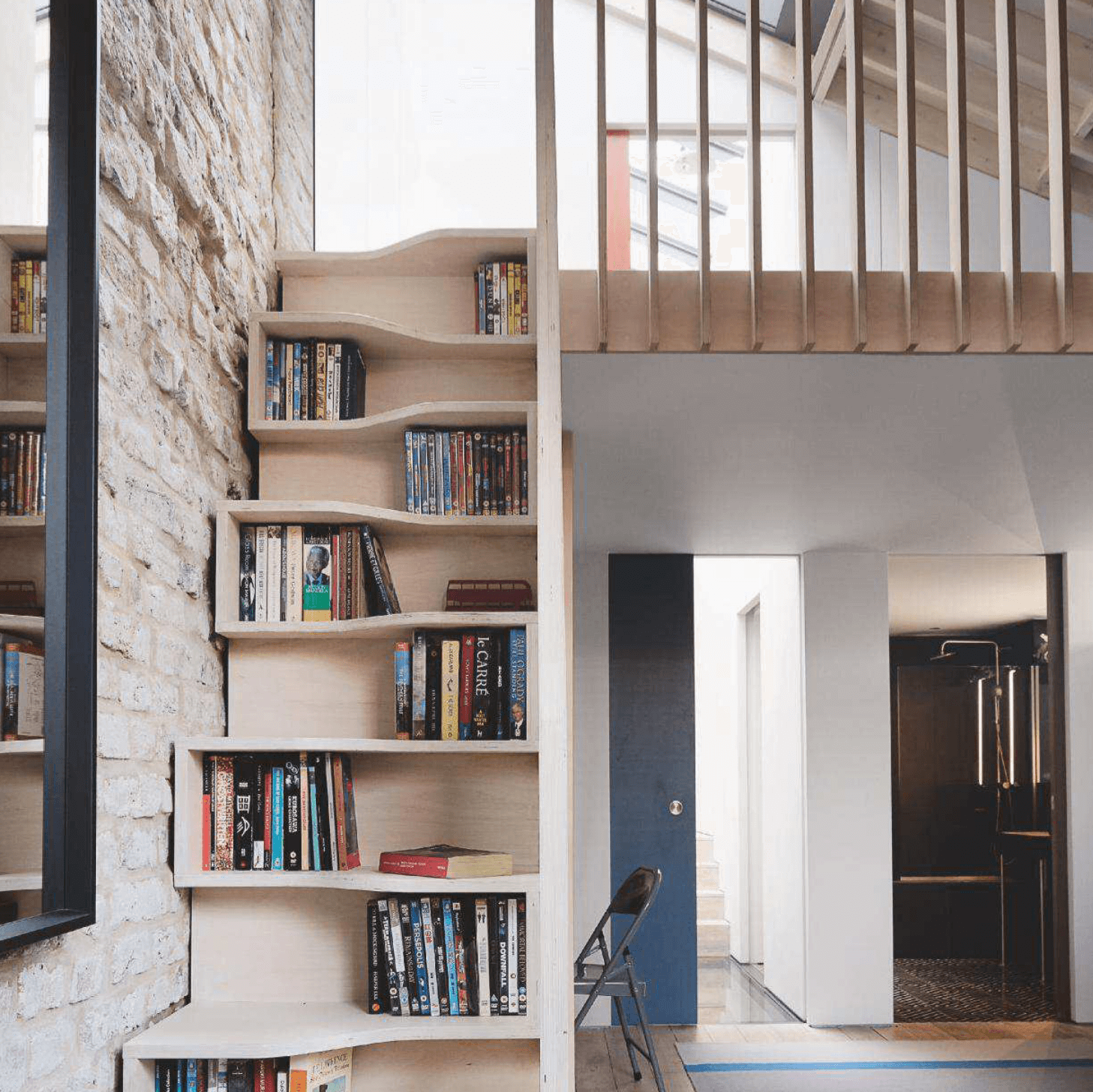 07_FY_WH_NU_BL_LE_Bookcase Stair_04_18.png