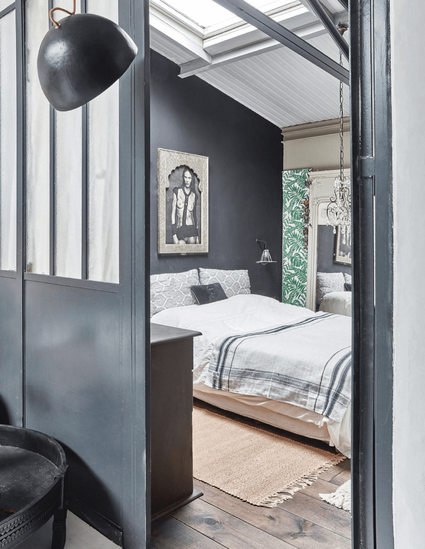 Copy of Gray bedroom with painted wood and glass interior partition