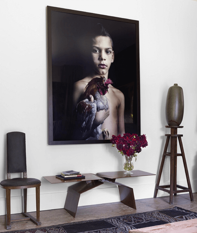 Foyer love with portrait by Nicolas Howey