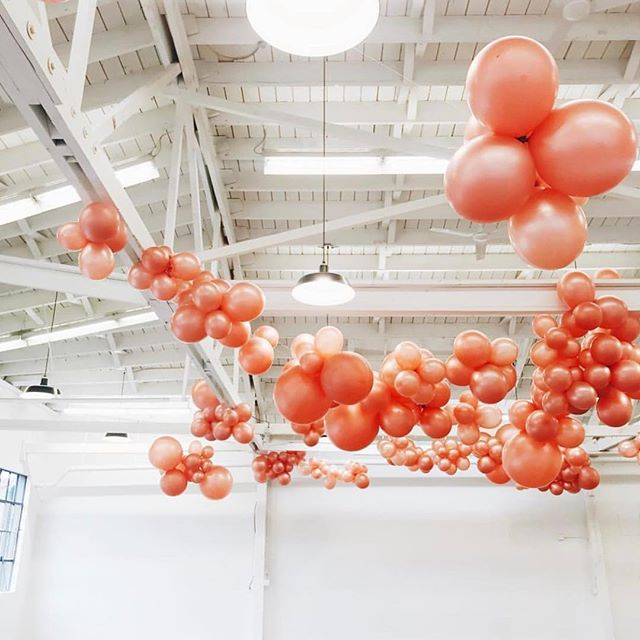 Oh hello gorgeous. Sneak peak of the festive balloon installation by the awesome ladies of @brightnight_design for the market! ⠀⠀⠀⠀⠀⠀⠀⠀⠀ #mcminnville #visitmcminnville #nightmarket #craftfair #shoplocal #holidayshopping #makerspace #pdxholiday #shopsmall #traveloregon #locallymade #balloons #ballooninstallation #festivedecor #holidaydecor