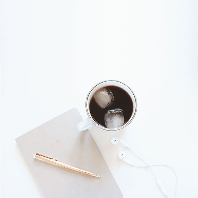 Productivity essentials ☕🎵✨ In the zone today - lots to do! Now that we're finally reaching summer temperatures nothing gets me refreshed + ready for work better than an iced coffee 😇 Not to mention my six-month planner by @stilclassics - a true lifesaver.   When I really want to get focused, I put on some nice lo-fi hip hop tunes (you know those YouTube ones!) or some podcasts. What do you listen to when you need to get in the zone?⁣⠀ ⁣⠀ ⁣⠀ ⁣⠀ ⁣⠀ ⁣⠀ ⁣⠀ #designinspo #logodesign #graphicdesign #smallbusiness #womensupportingwomen #creativepreneur #brandstylist #graphicdesign #identitydesign #freelancedesigner #branding⁣⠀ #womeninbusiness #femaleentrepreneur #bloggingtips #blogger #blogging #socialmedia #discoverunder5k #discoverunder1k #logowork #grahicdesignlife #businessdesign #herestothecreatives #theauthenticfeeling #currentview #makerslife #creativebusinessowner #tuesdayfeeling #productivitylife