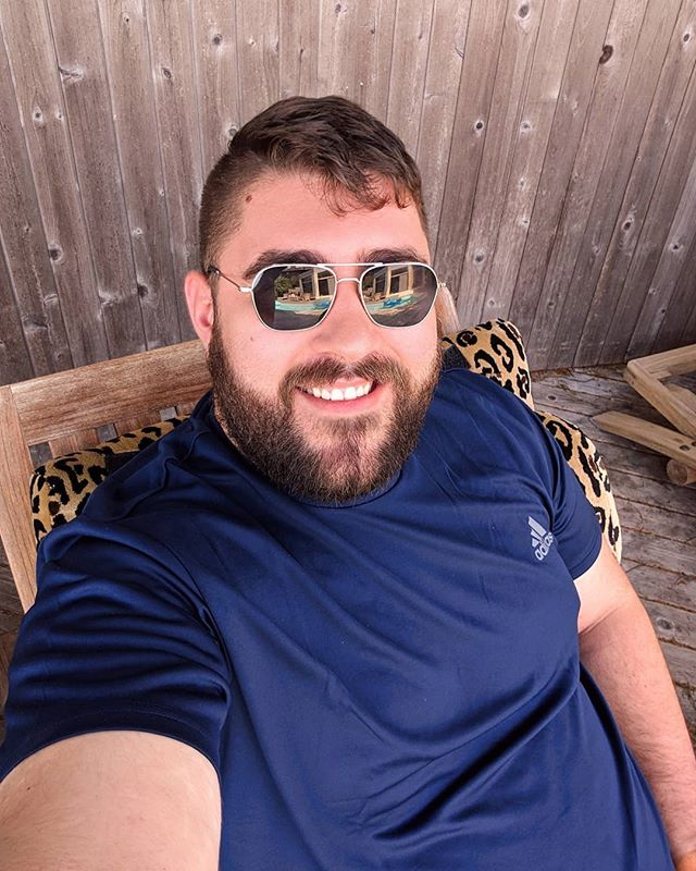 Fire Island is amazing, special thanks to the friendly faces that came up and said hello to me. 😁 The time has come to return to NYC and get back to work. 🧳😎 Hope you all had a great weekend too! 🥳 . . . . . . . #bearsofinstagram #bearstagram #beardsofinstagram #beardedgay #bearscubsandscruff #bearscubsandbeards #bearweek365 #bearchaser #beard #newyork #ny #instagay #instacub #instabear #instascruff #thescruffyhomo #thebearmag #gaydaddy #gaycub #gaybear #chunkyguys #stockybears #osos #oso #scruffapp #scruffygay