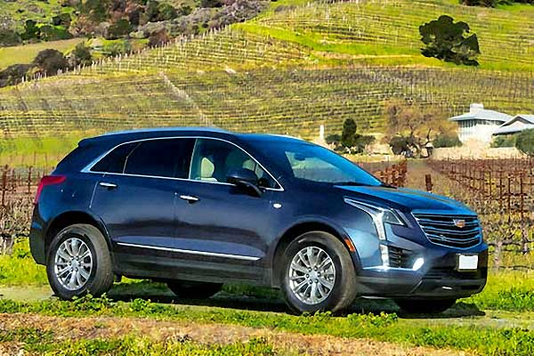 2018 Cadillac XT5 Panoramic Sunroof - Ideal for 2 passengers$85 hourly *