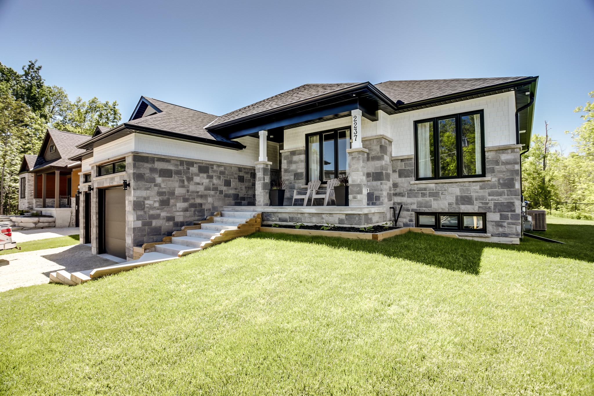 029-VanderMeer-Homes-websize-1630.jpg