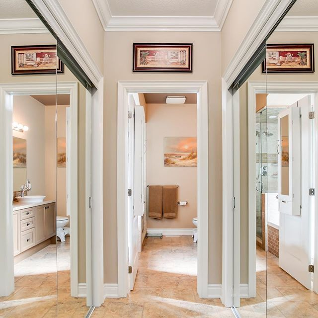 Want to make a small hallway feel bigger? Why not mirrored sliding doors! . . . . . #mirror #mirrorglaze #mirrormirror #custommirror #customdoors #customdoor #hallwaydecor #hallway #hallwaydesign #customhome #customhomes #customhouse #customhouses #closet #clean #cleanlook #newhome #hallwaylighting