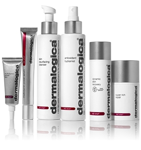 Firm to smooth away the signs of skin ageing. Control ageing triggers before they start.