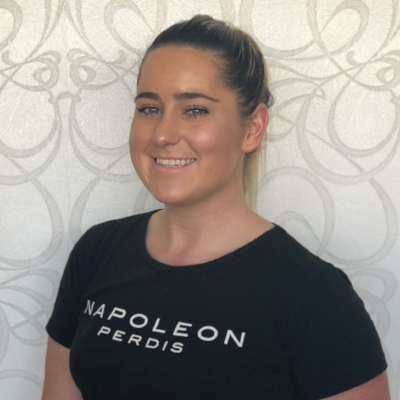 Holly is a fully qualified beauty therapist