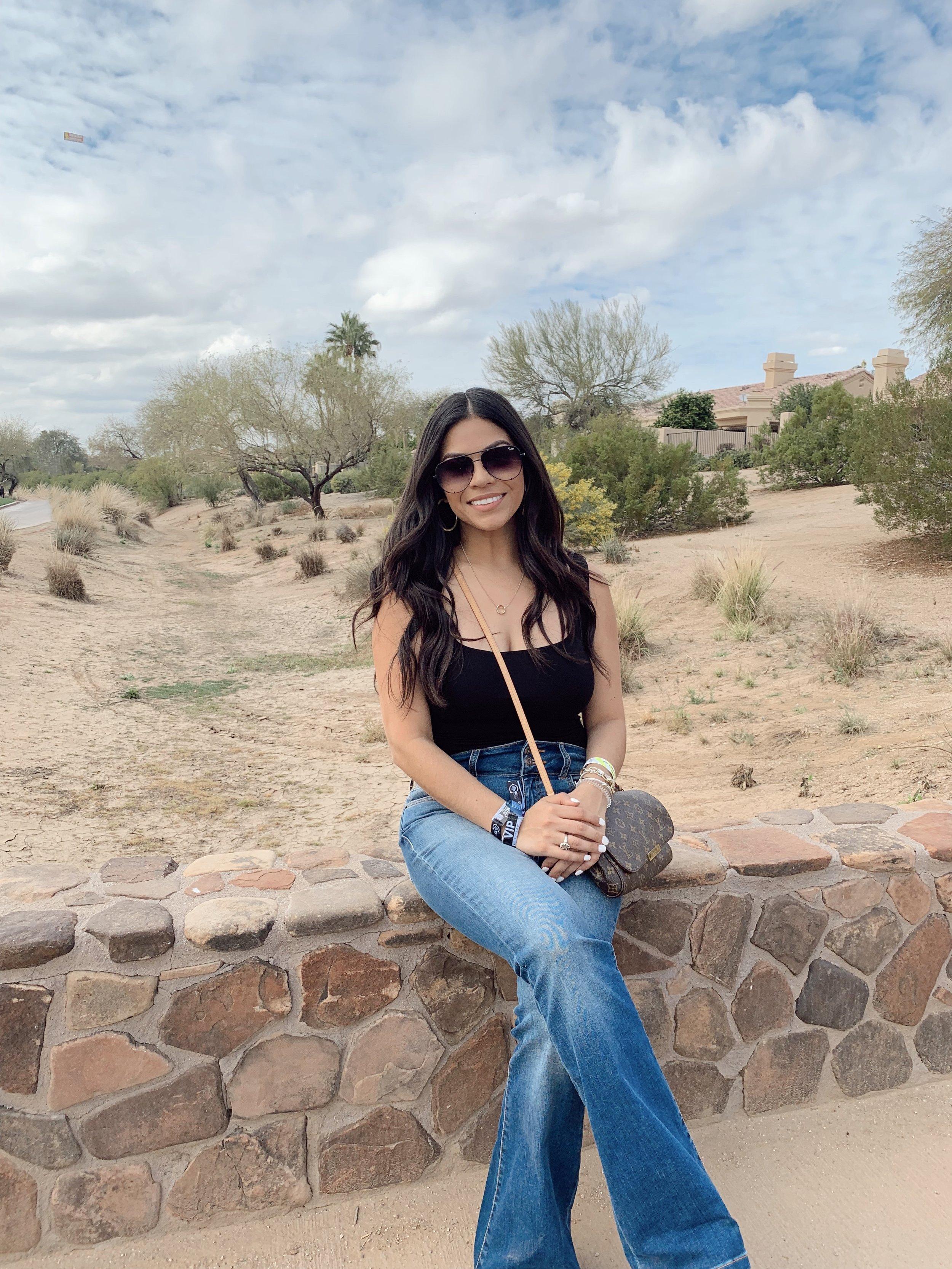 Desert vibes at the TPC Golf Course   Black Top  //  Sunglasses