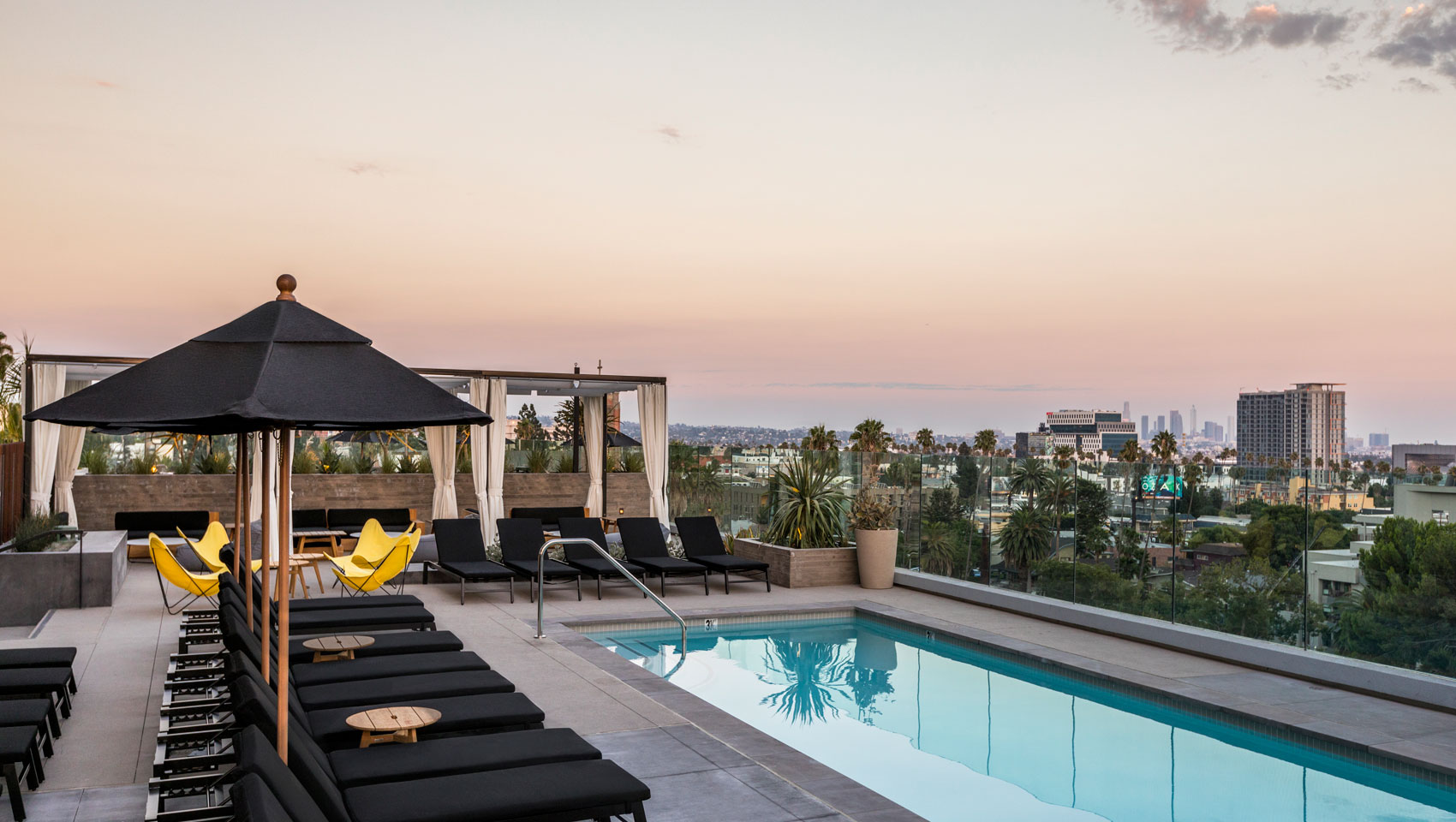 rooftop-pool-lounge-everly-hollywood-9fea9dd1.jpg