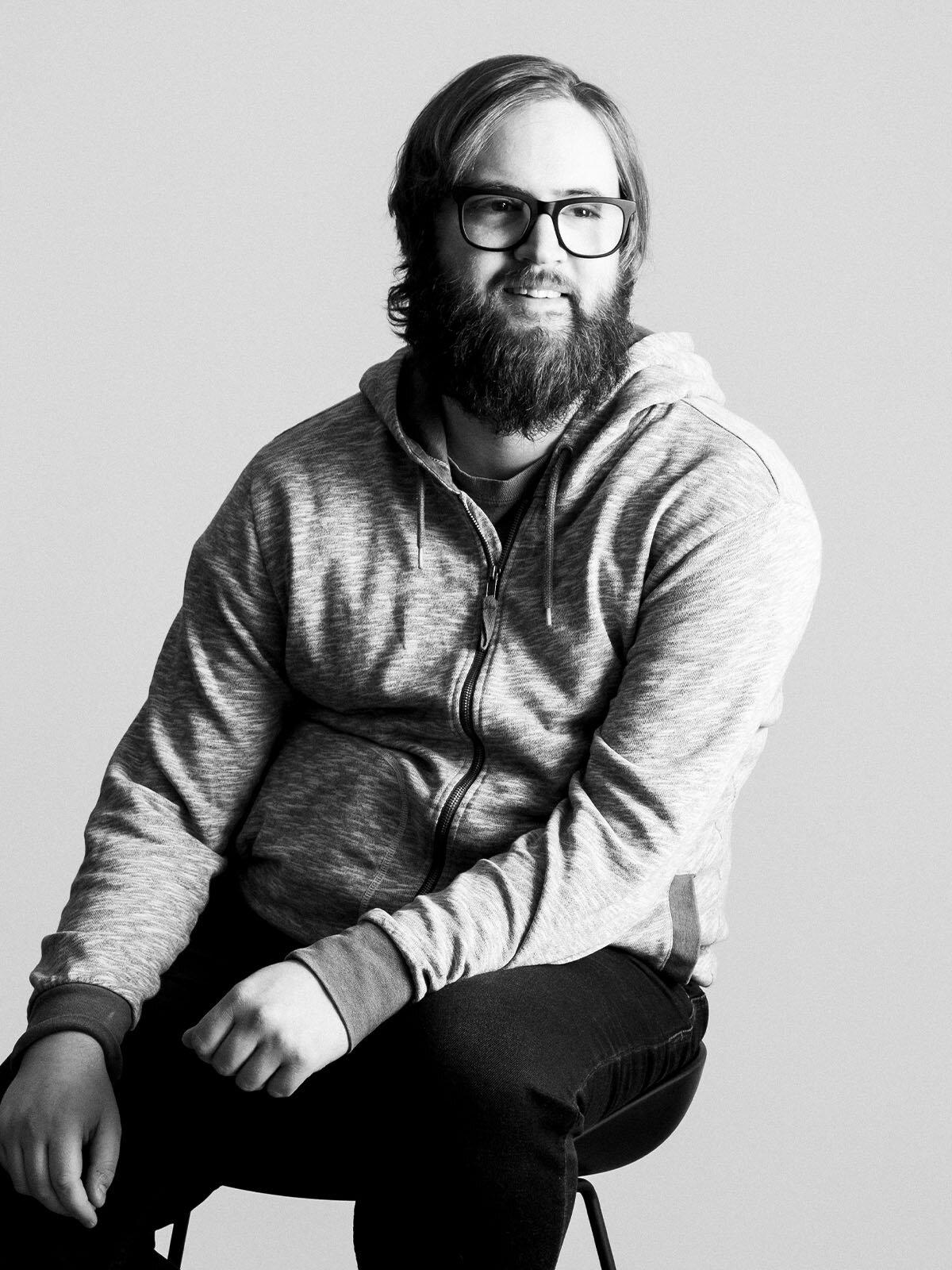 HOLLY CHEN  Designer