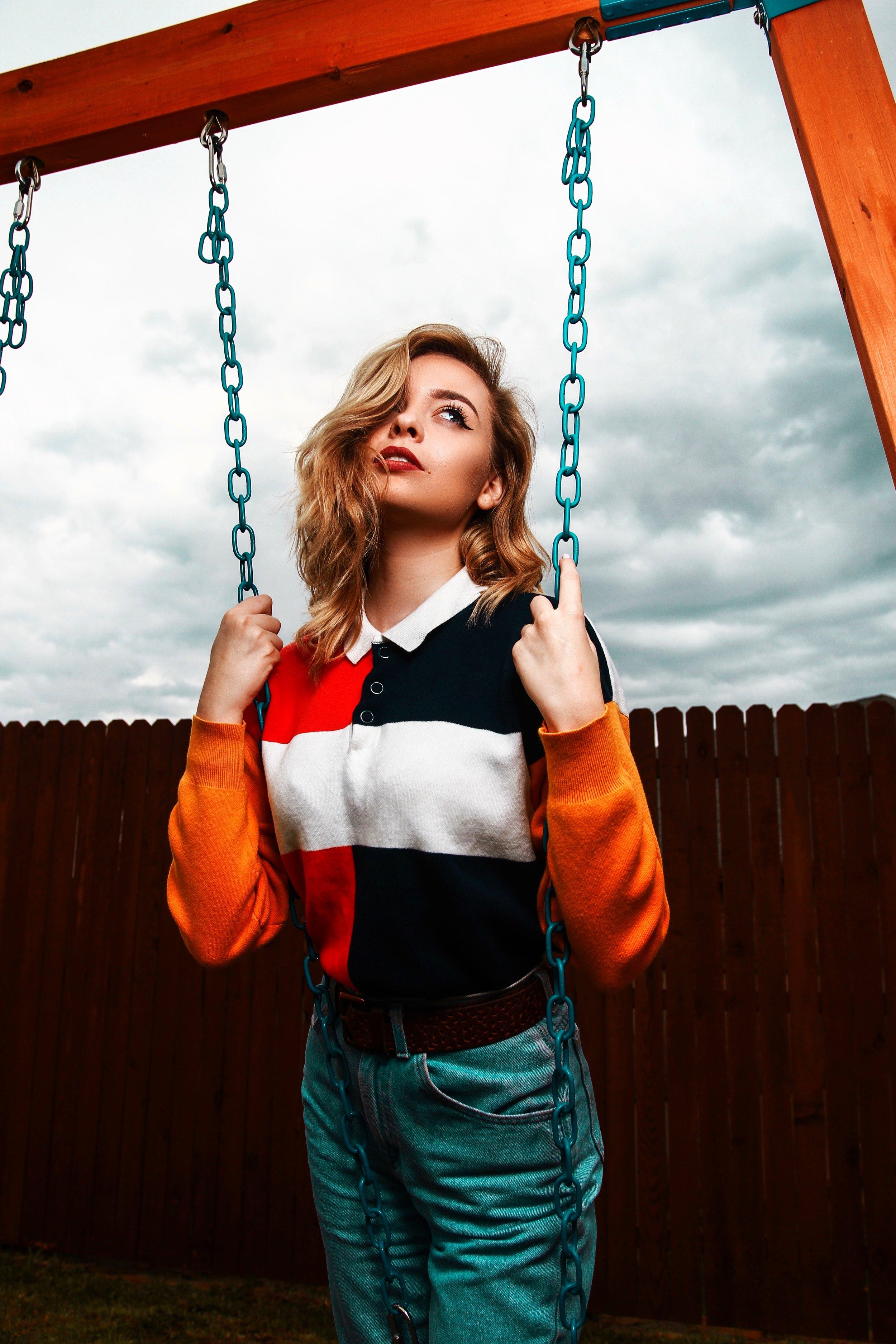 Swing free. -