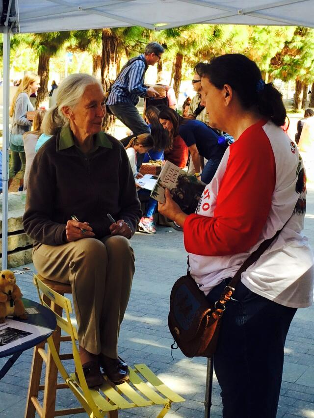 Gina McBride Chatting with Ms. Jane Goodall at the Wildlife Conservation Network
