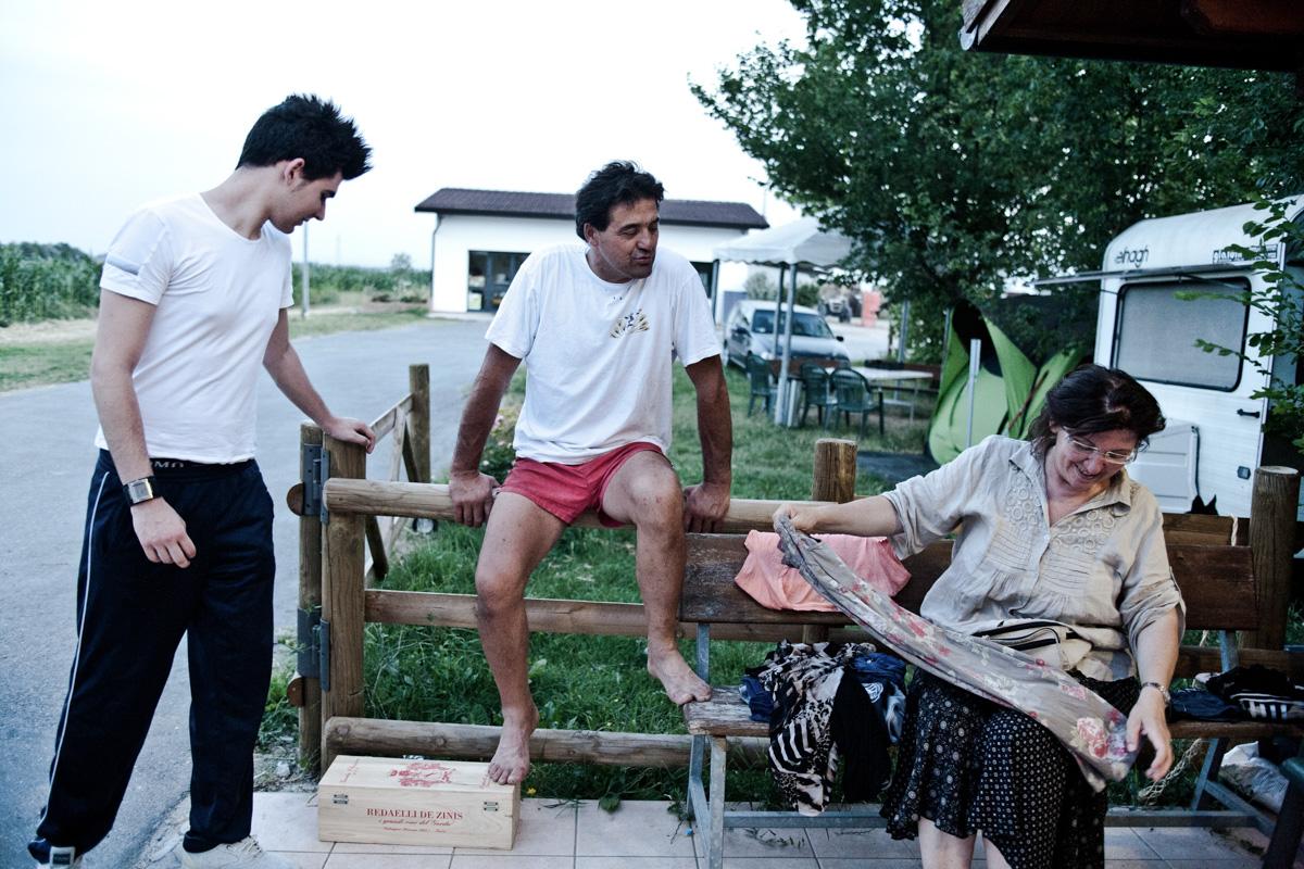 Terremoto Emilia. Famiglia Casumaro-14.jpg
