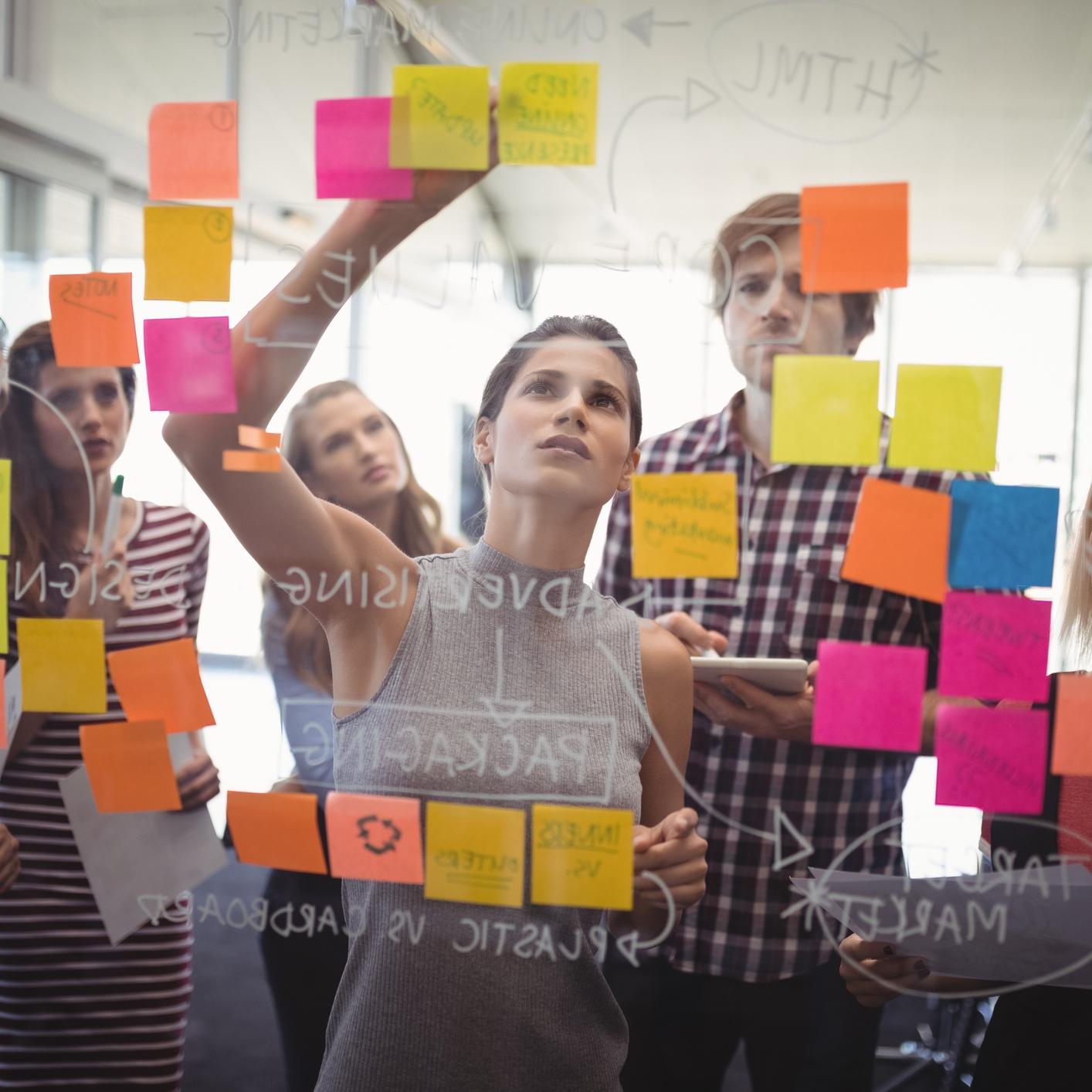 NOSOTRAS - Con una larga trayectoria en el mundo de los negocios, apasionadas por la cultura de desarrollo de productos de San Francisco y el espíritu de Silicon Valley, estamos comprometidas a encontrar soluciones innovadoras que tengan un impacto real.Combinamos nuestros conocimiento de estrategia de negocio, transformación digital e innovación para ayudar a las empresas a resolver rápidamente grandes desafíos de negocio usando esta metodología.