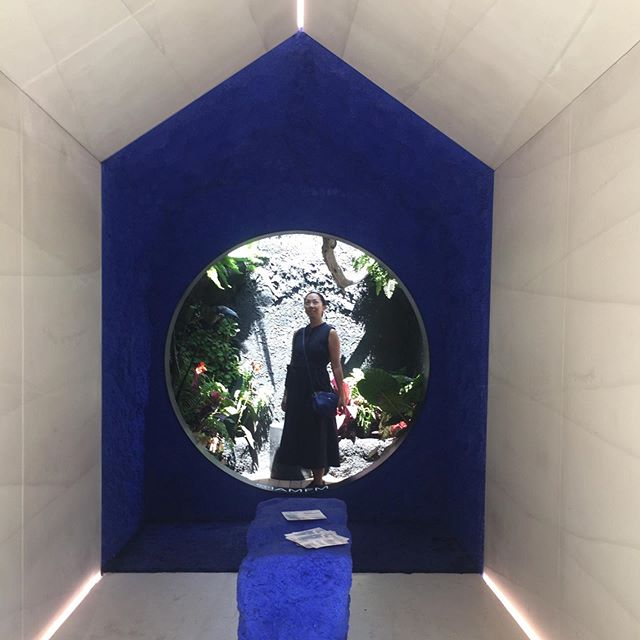 "Finally stepped foot in the Tiny House on last day of @nycxdesign! 💕 The wee structure by @iamfm with its striking deep blue accents and its lush mini garden area was plunked down in hectic Times Square. 🌃  I avoid this area as much as possible, but braved the crowds for this, and I'm glad I did. There's something nice about design installations like @design_pavilion being installed in non-designy areas, even though not everyone ""gets it."" I'd love a structure like this in my backyard or on my roof as a studio!  #nycxdesign #designpavilionnyc #architectureinspo #tinyhouse #smallspaceliving"