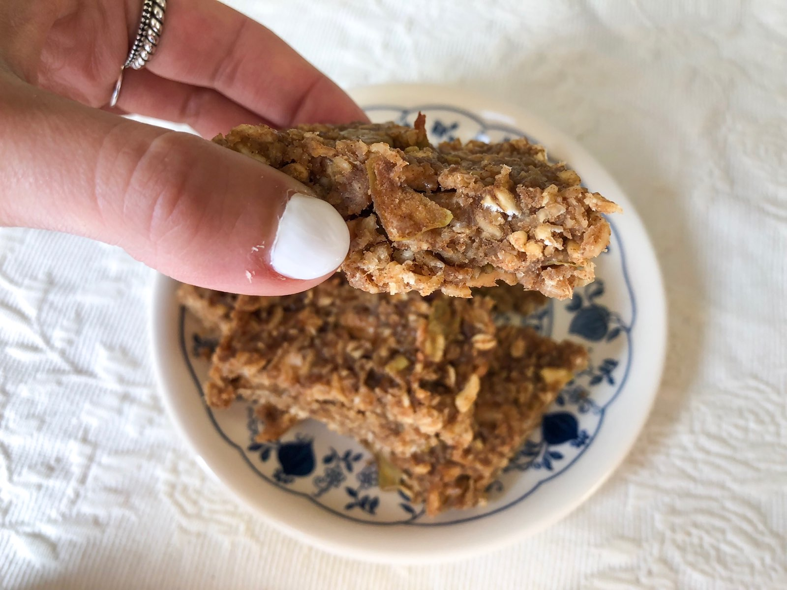 Apple Peanut Butter Oatmeal Bars