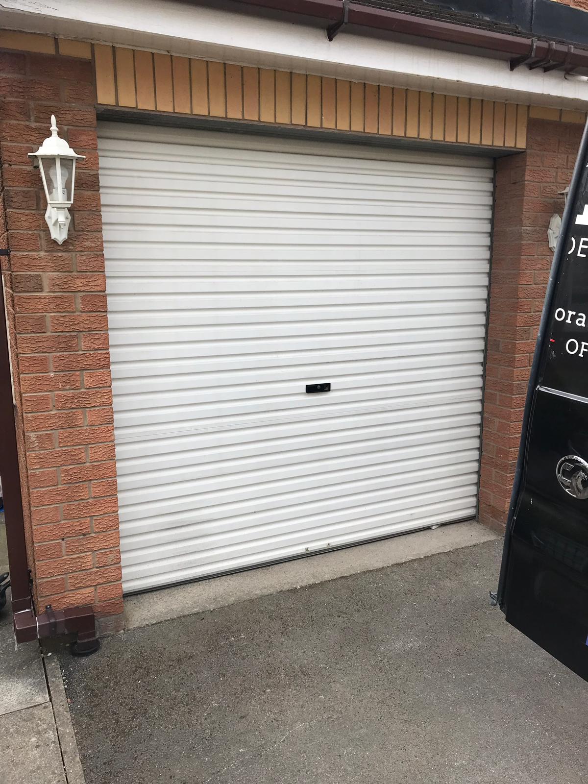Garage door spray painter in Leeds.jpeg