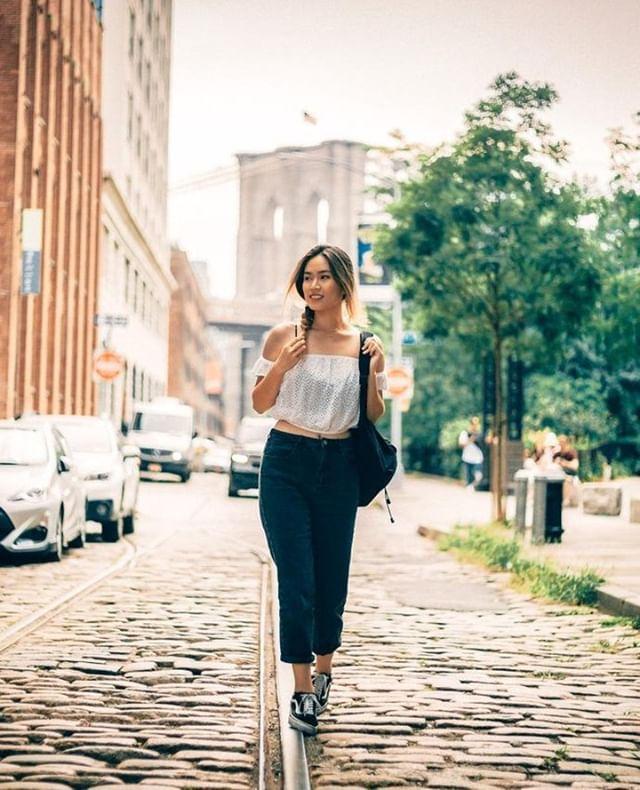 Making my way downtown .... .⠀ .⠀ .⠀ .⠀ .⠀ #portrait_vision #bravogreatphoto #portraitcentral ##aovportraits #portraitpage #portraitmood #theportraitpr0ject #featuremeseas #facesobsessed #portraitgames #newyorkportrait #newyorkmodel #portraitphotography #portrait #faintflicker #bestportraitgallery #radiantsnapsnyc