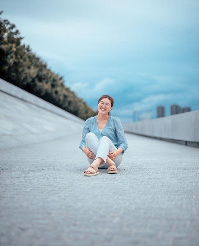 I bet you are smiling right now :)  @_heej731_ .⠀ .⠀ .⠀ .⠀ .⠀ #portrait_vision #bravogreatphoto #portraitcentral ##aovportraits #portraitpage #portraitmood #theportraitpr0ject #featuremeseas #facesobsessed #portraitgames #newyorkportrait #newyorkmodel #portraitphotography #portrait #faintflicker #bestportraitgallery