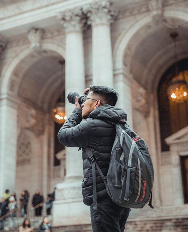 Always be prepared for the shot @armandososaa .⠀ .⠀ .⠀ .⠀ .⠀ #portrait_vision #bravogreatphoto #portraitcentral ##aovportraits #portraitpage #portraitmood #theportraitpr0ject #featuremeseas #facesobsessed #portraitgames #newyorkportrait #newyorkmodel #portraitphotography #portrait #faintflicker #bestportraitgallery