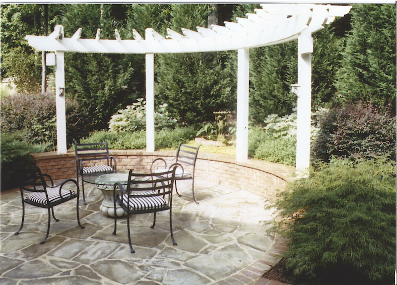 painted-curved-arbor.jpg
