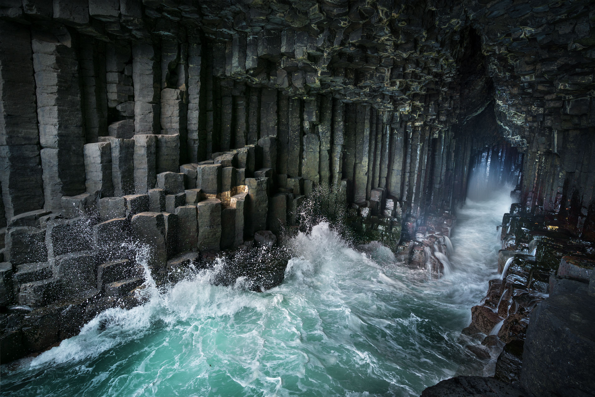 scotland-photography-workshop-isle-of-mull-finglas-cave.jpg