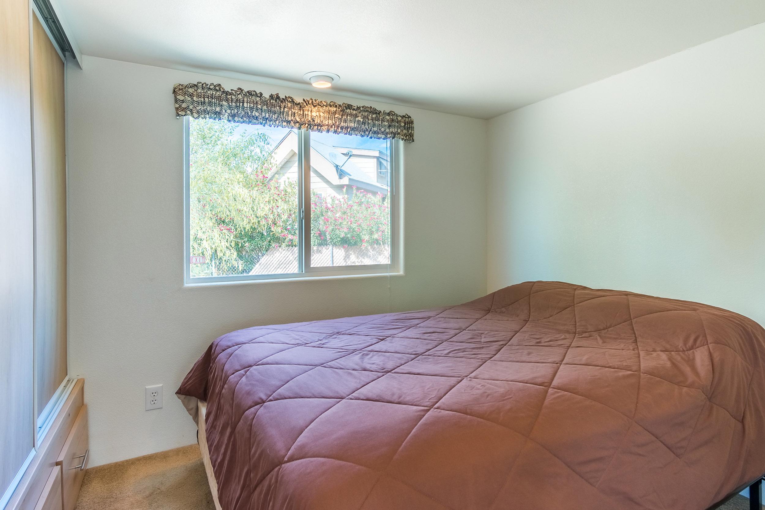 vacation-home-rental-colorado-river-bedroom.jpg