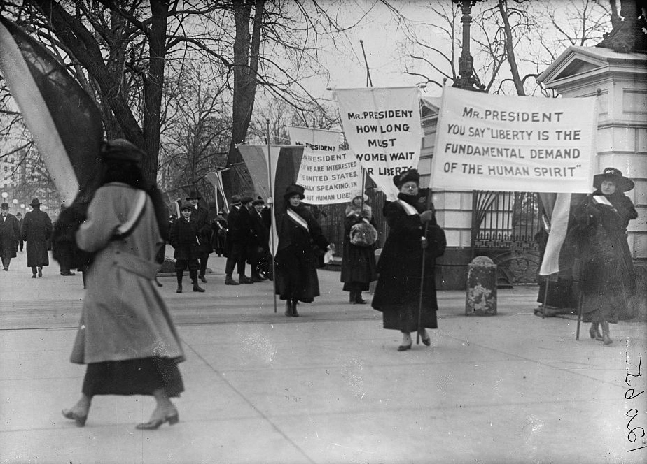 woman_suffrage_picket_parade10337v_0.jpg