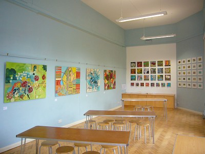 Overview on entering the gallery