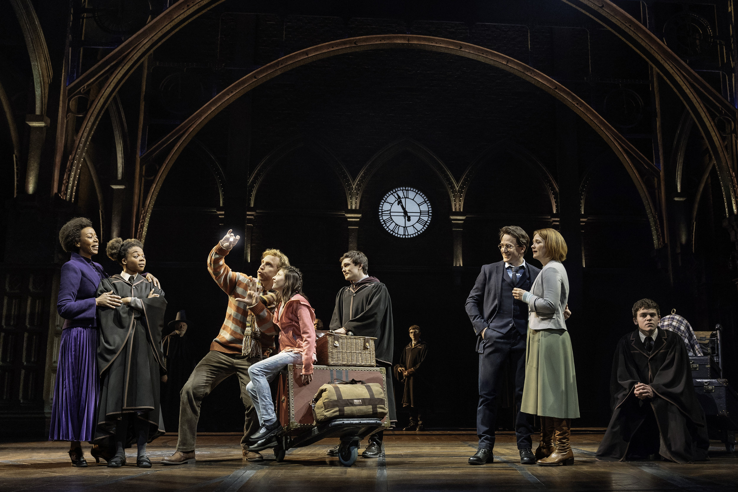 01 Harry Potter and the Cursed Child – NYC Photo By Manuel Harlan.jpg