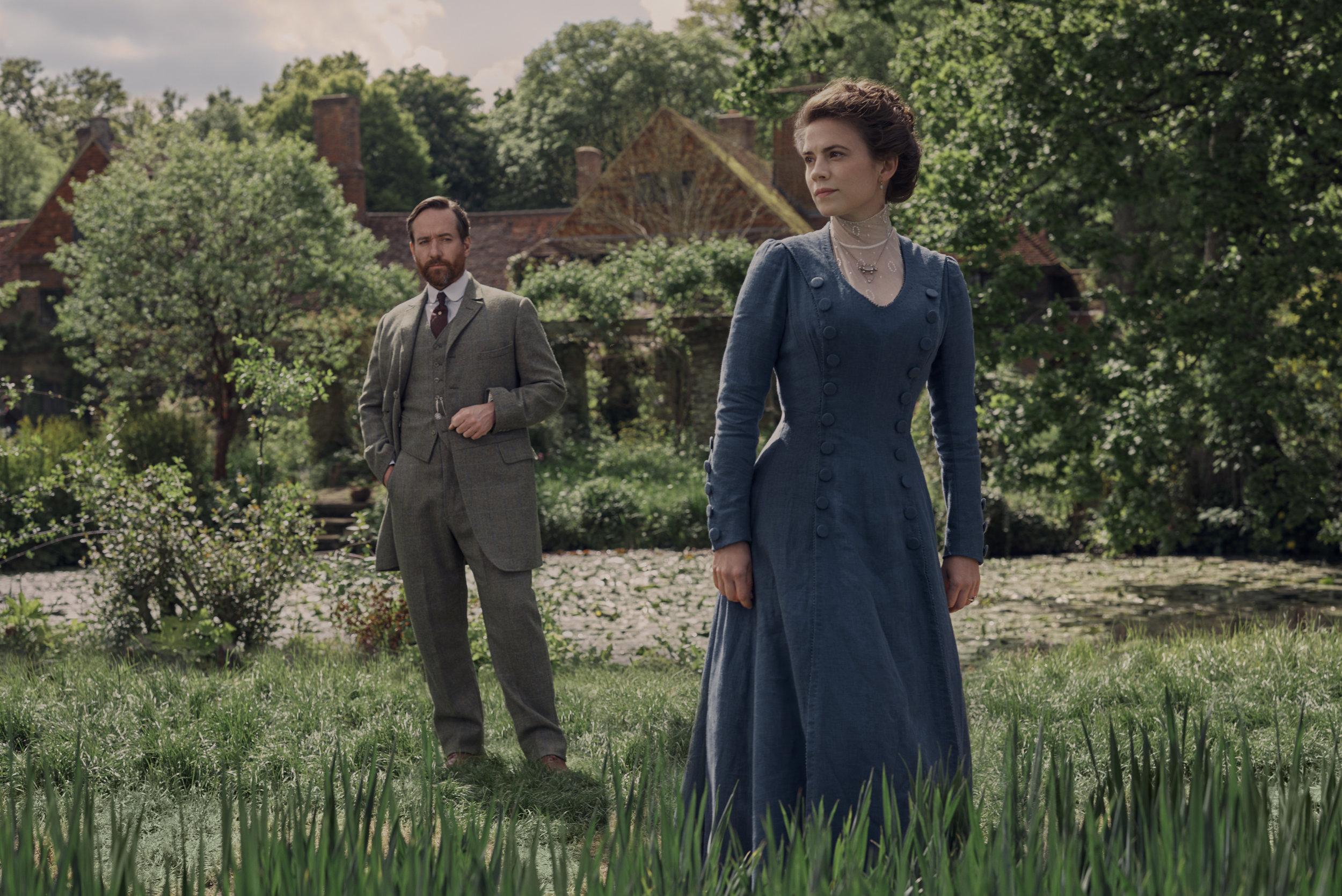 Matthew MacFadyen (Henry Wilcox), Hayley Atwell (Margaret Schlegel)- Howards End (2).jpg