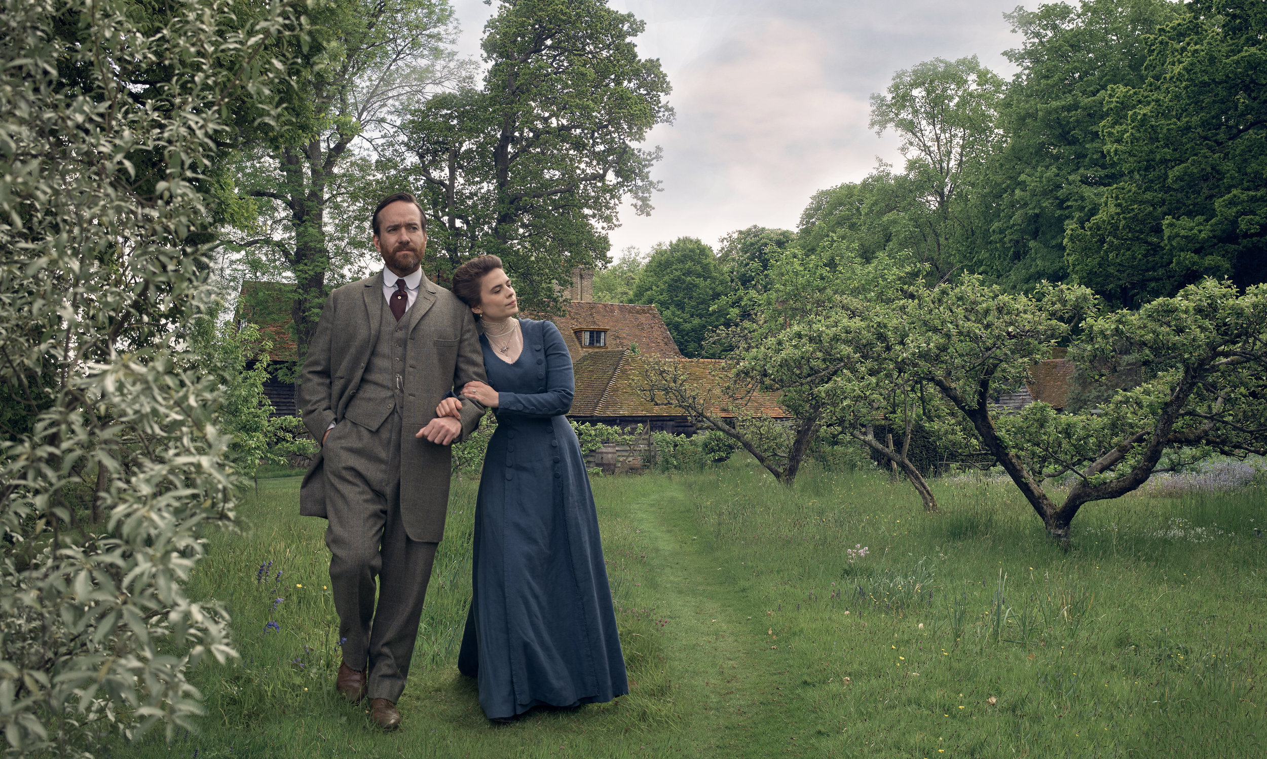 Matthew MacFadyen (Henry Wilcox), Hayley Atwell (Margaret Schlegel)- Howards End.jpg