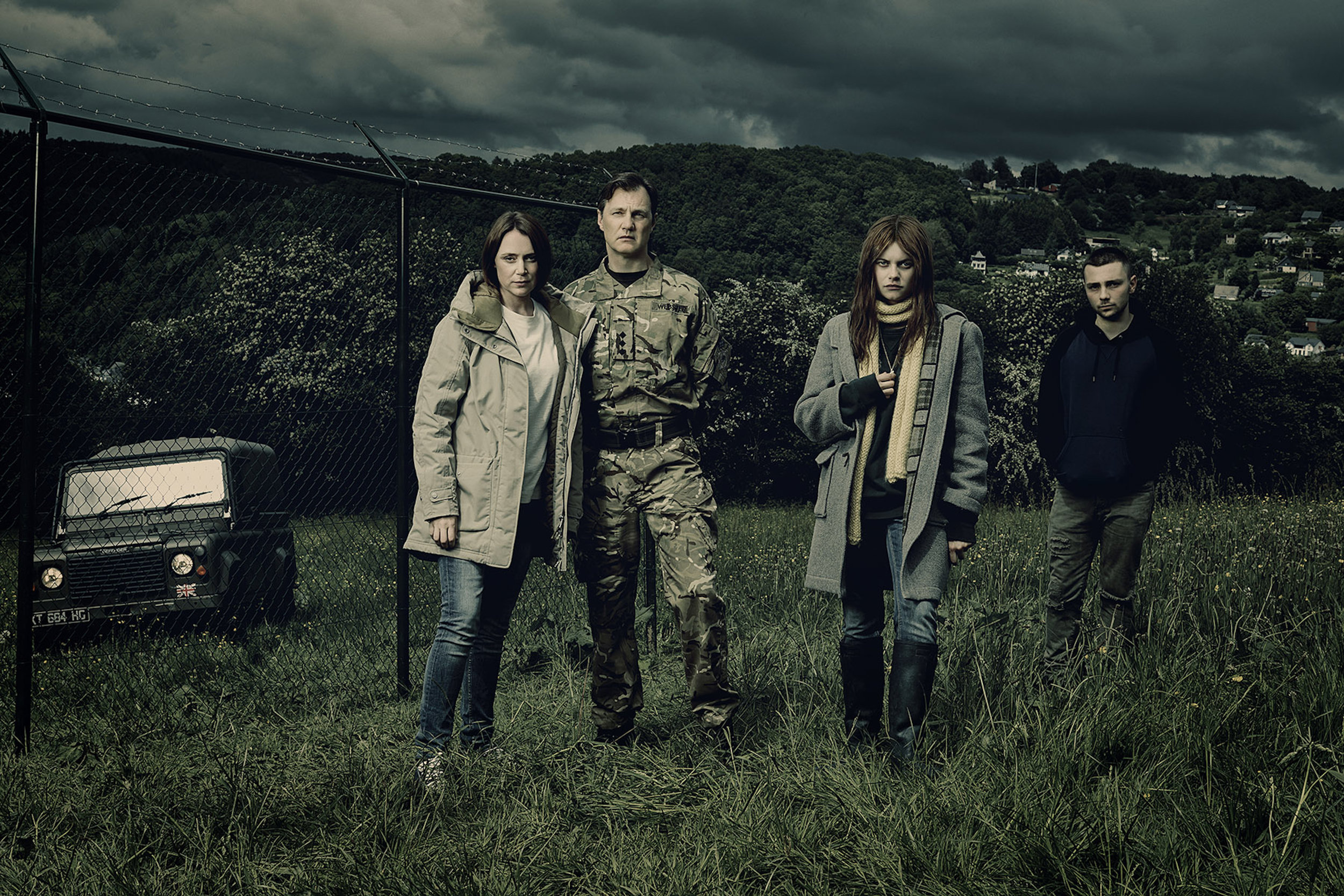 Keeley Hawes (as Gemma Webster), David Morrissey (as Sam Webster), Abigail Hardingham (as Alice Webster), Jake Davis (as Ma.jpg