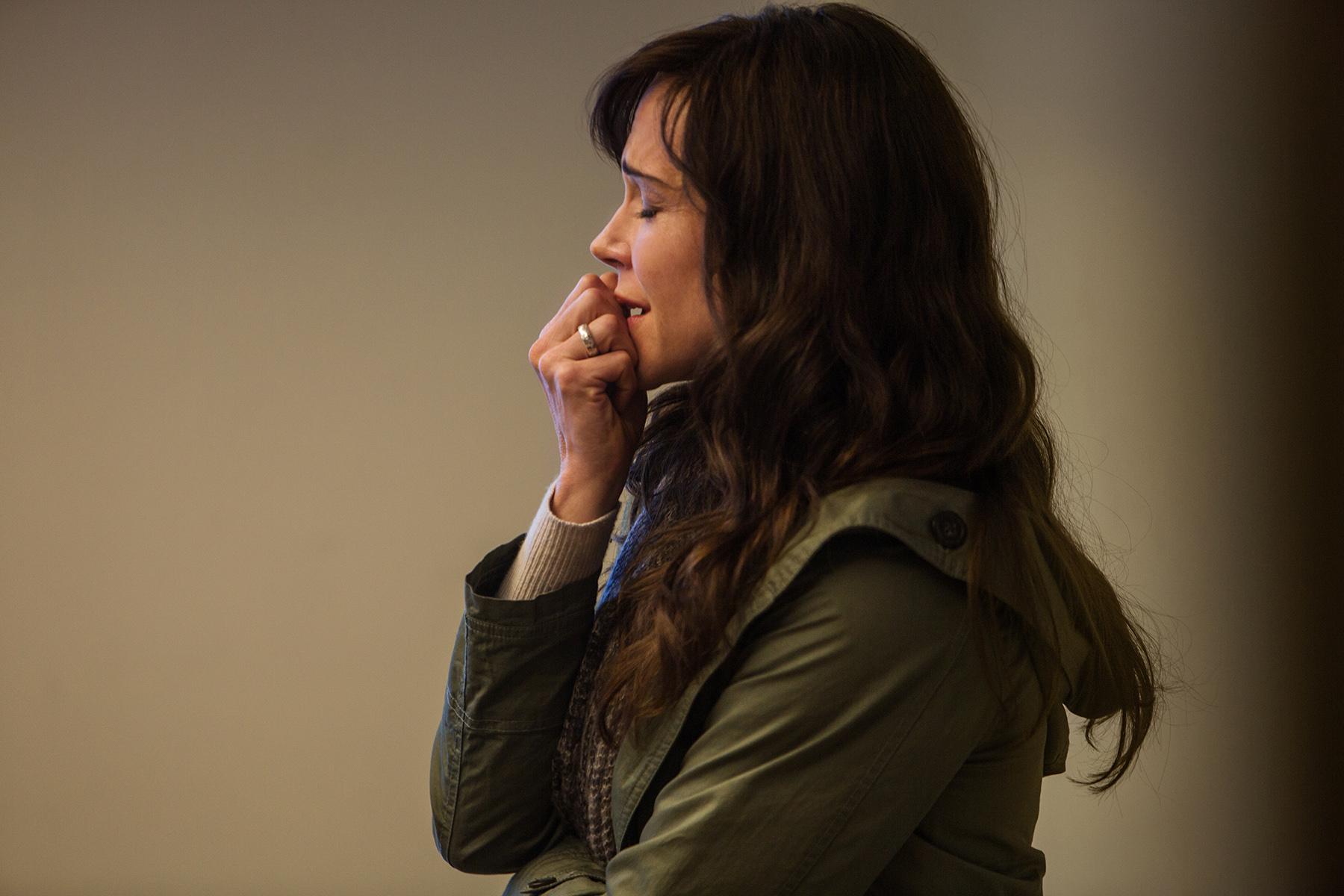 Frances O'Connor (as Emily Hughes) (2).jpg