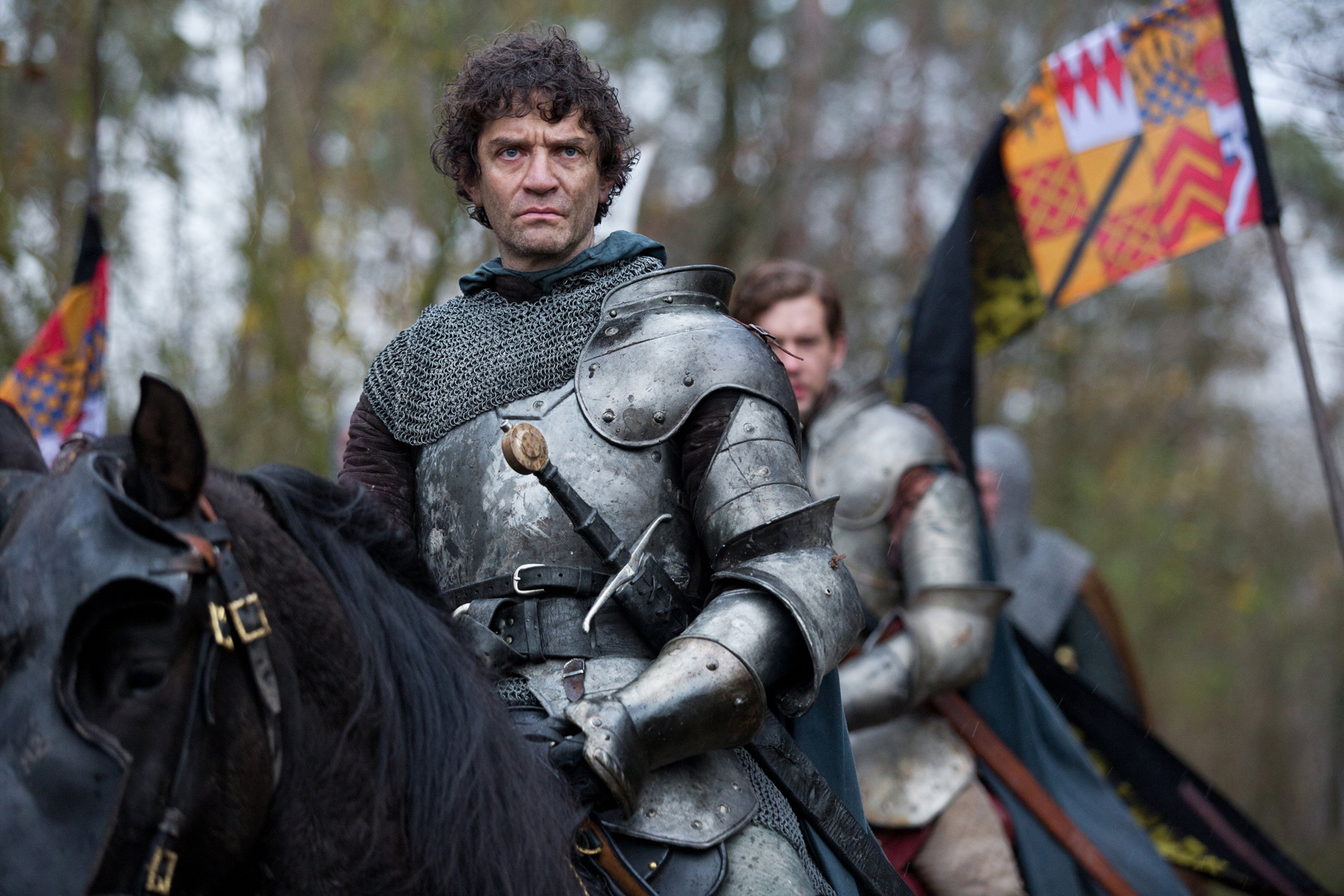 Lord Warwick (James Frain).jpg