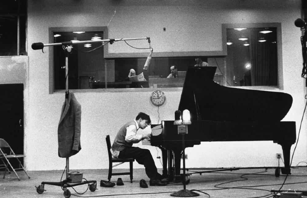 glenn-gould-studio-piano_1000.jpeg